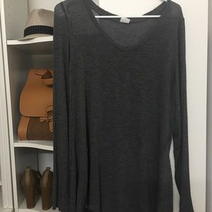 Grey knit jersey top (long sleeves)